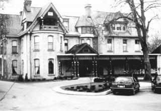 Idlewyld Inn photograph